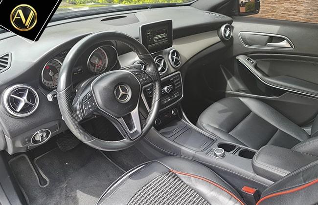 Mercedes Benz GLA 200
